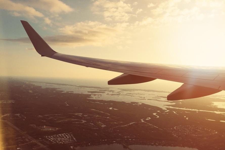 Tips om goed te slapen in het vliegtuig